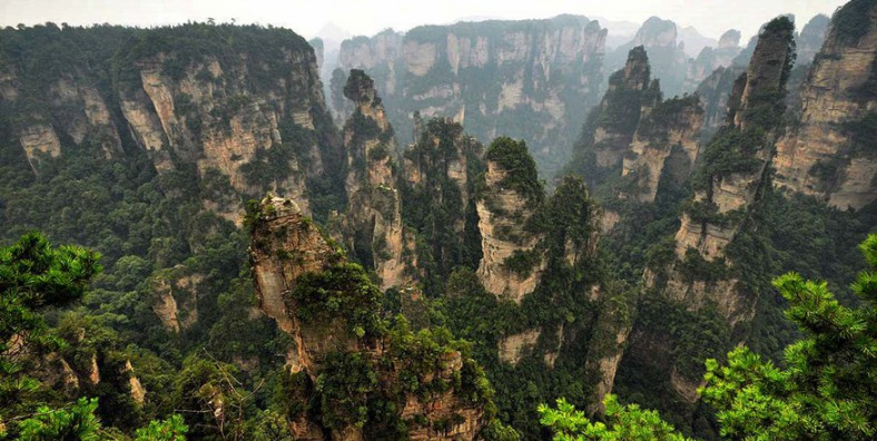 5 Days Tour of  Zhangjiajie Nature Exploration and Fenghuang Ancient Town Minority Culture Discovery