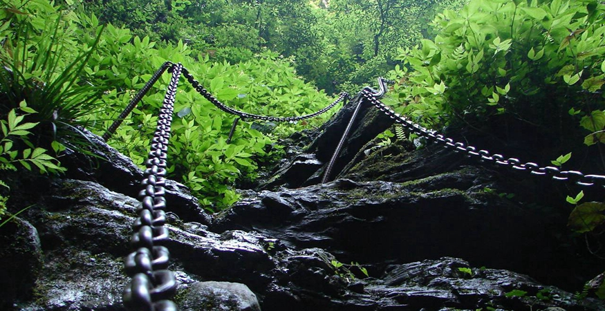 Hiking with Chains in zuolong Gorge